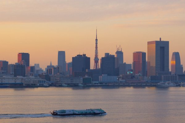 View of the city from the Rainbow Bridge in Odaiba