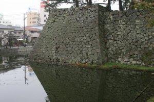 Tsu Castles impressive stone walls