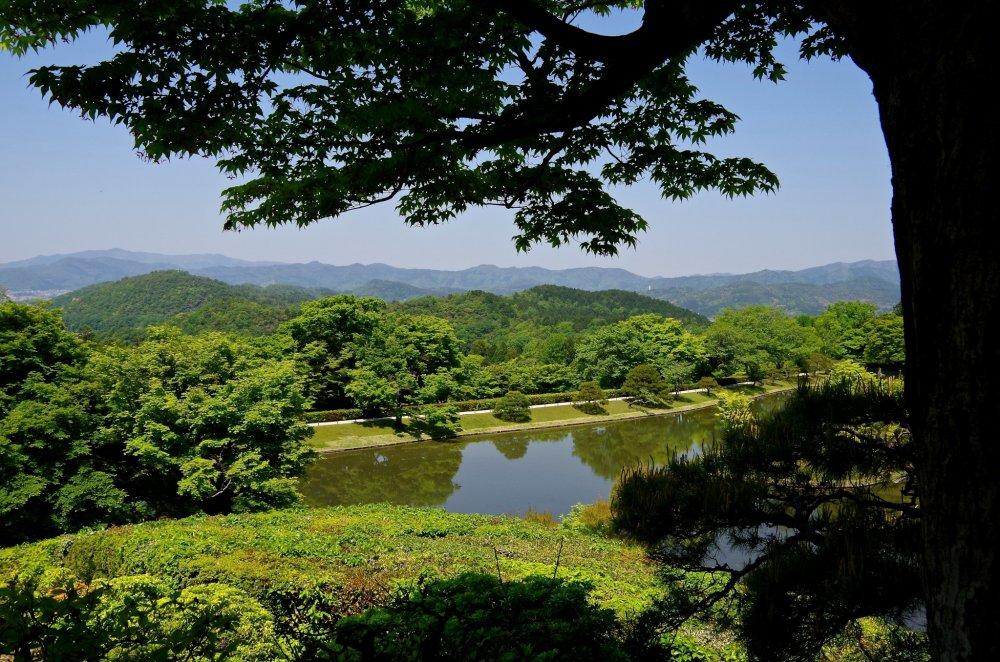 12905 on Shugakuin Rikyu