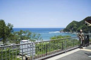Great views of the Sea of Japan on the rapid service towards Kanosakionsen Station.