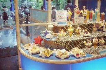 <p>Small ice-cream replicas</p>