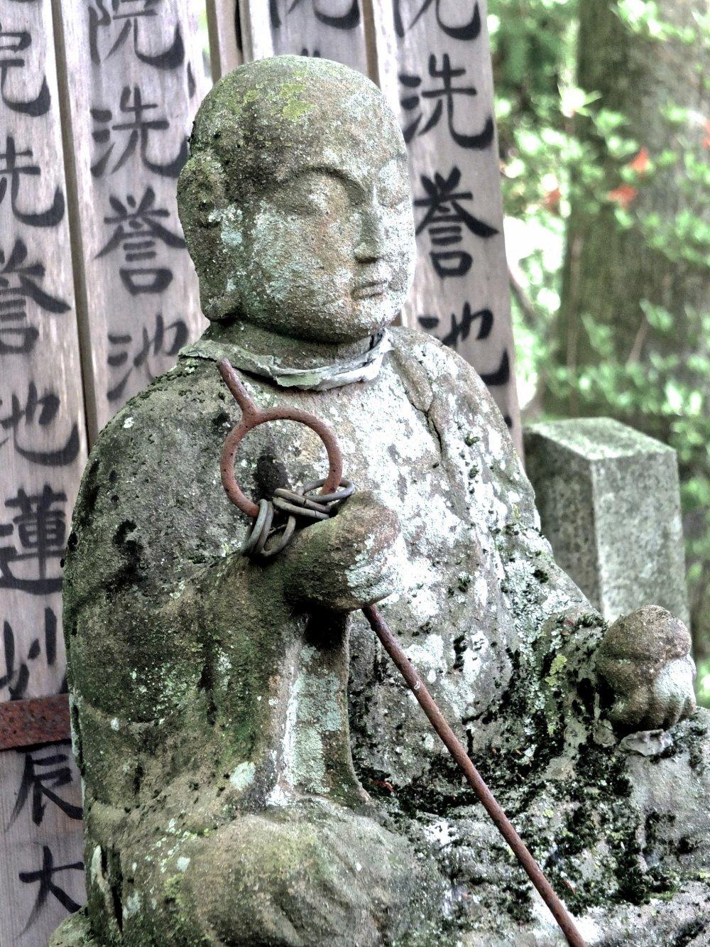 동상 및 기도판