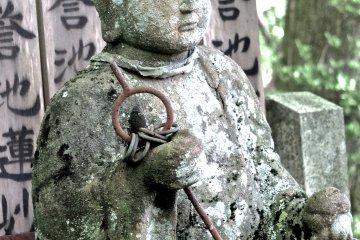 쿠로다니의 묘지를 가다 - 2