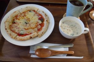 The pizza lunch set - pizza, soup and a choice of hot or cold tea or coffee