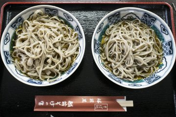 <p>The difference between an amateur and a professional - inconsistency in noodle width on the left, thin consistent strips on the right.</p>