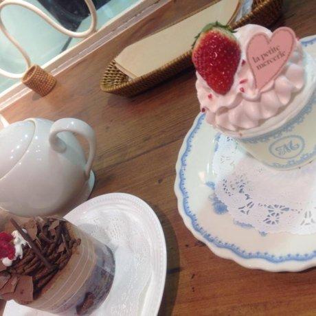 신주쿠에서 맛있는 컵케익을 먹어보아요