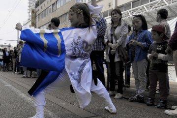 <p>Cho Festa Yosakoi dancing</p>