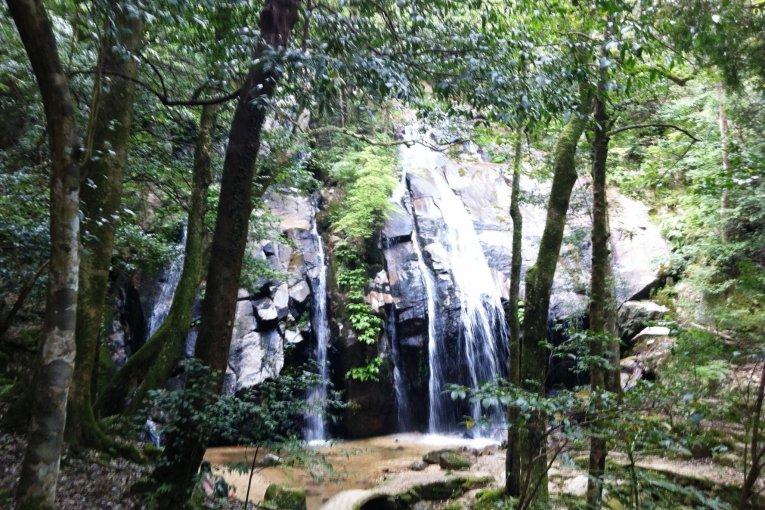 Водопад Канабики