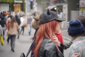 Le look soigné des jeunes Tokyoïtes dans les rues de Shibuya