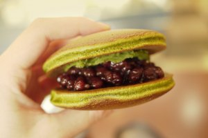 The traditional Dorayaki cake, reinvented with green tea paste to suit occidental tastes.