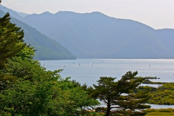 <p>Lake Motosu&nbsp;is a very popular site for the outdoorsmen. Here you can see the lake full of wind surfers.</p>