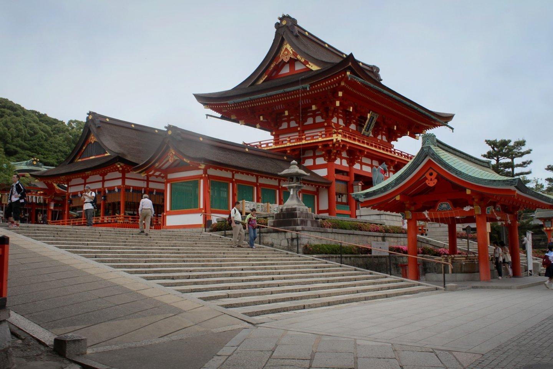 L'imposant portail principal