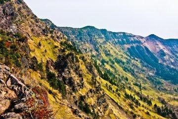 Несколько пиков, ведущих к горе Куруфо