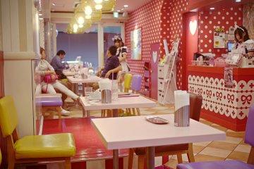<p>The decoration of the shop!&nbsp;</p>