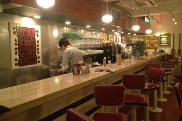 <p>Nostalgic diner atmosphere</p>