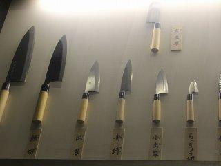 そしてさらに和食の発達とともに調理に不可欠な包丁も進化していく。ここで、刀鍛冶の技量が活きてくる
