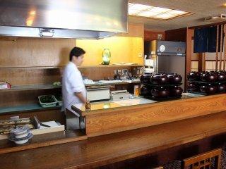 福井の野菜を多用した伝統的な和食料理を供する