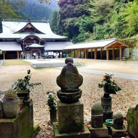Maegami-ji Temple in Saijo