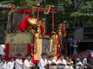 Hachiman-yama (八幡山) During the Yamaboko Junko (山鉾巡行) in Kyoto, 2012! This float has a long history dating back to before the Onin wars (1467-1477), and has deity that come and settle down on it during Yoi-yama (the eve of the Gion festival) and on the Gion festival parade day
