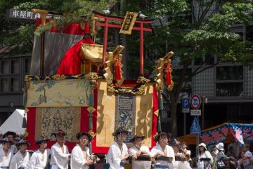 <p>Hachiman-yama (八幡山) During the Yamaboko Junko (山鉾巡行) in Kyoto, 2012! This float has a long history dating back to before the Onin wars (1467-1477), and has deity that come and settle down on it during Yoi-yama (the eve of the Gion festival) and on the Gion festival parade day</p>