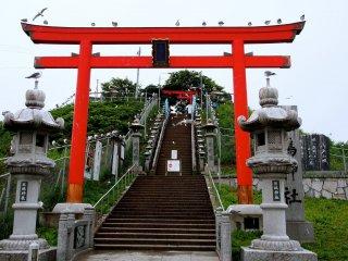 The entrance to Kabushima Shrine