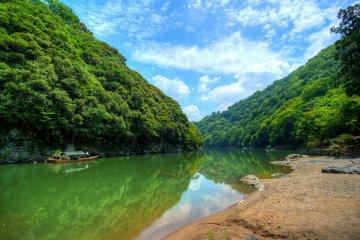 <p>The river that runs through Arashiyama</p>
