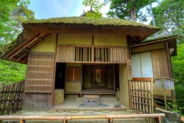 <p>The humble tea house reflects the esthetic of wabi-sabi&nbsp;</p>