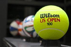 ลูกเทนนิสอะไรใหญ่เท่าลูกบอล