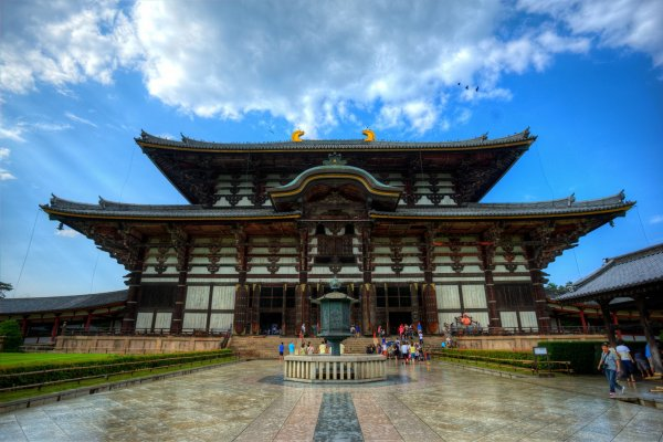 https://a0.cdn.japantravel.com/photo/14221-83759/600x400!/nara-todaiji-temple-in-nara-83759.jpg