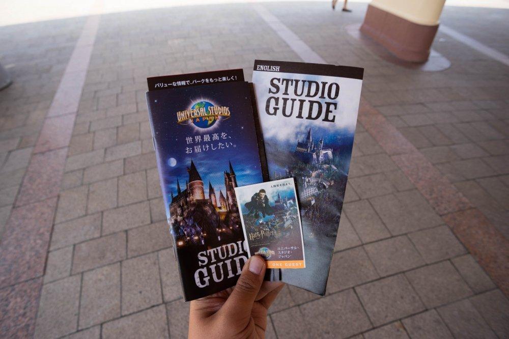 Билет, который вы получите, а также небольшая карта тематического парка