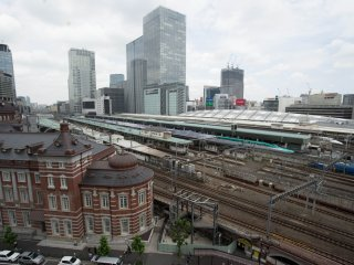 The sprawling train lines behind Tokyo Station. This is also the station where most of the shinkansen start at.