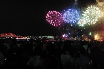 Le Feu d'Artifice du Port de Kobe