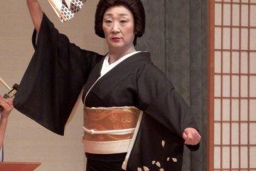 芦原芸妓が舞う日本の伝統美