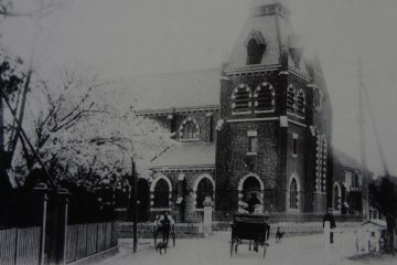 Sacred Heart Cathedral was built in 1901 at Yamate 234 with beautiful red bricks.