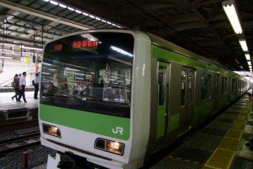 <p>Въезжая на станцию</p>