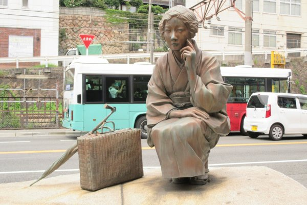 Statues are at every turn in Onomichi