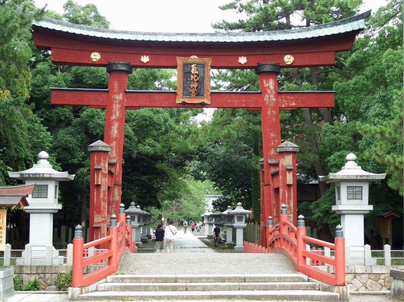 <p>Main torii gate of Kehi Jingu Shrine. This is the third tallest wooden torii in Japan and an important cultural property</p>