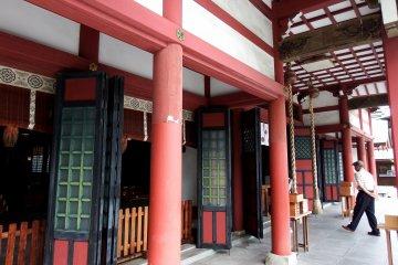 <p>Closer look at the prayer hall</p>