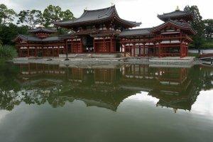 Pheonix Hall แบบภาพสะท้อนในน้ำ
