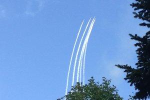 Pesawat telah melambung ke udara