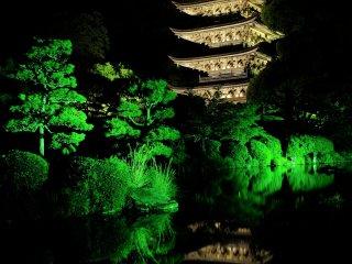 京都の醍醐寺・奈良の法隆寺のものとならびここの塔は日本三名塔の一つに数えられる