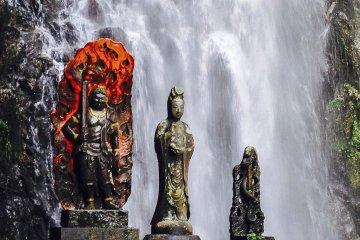 Kiyomizu Waterfall