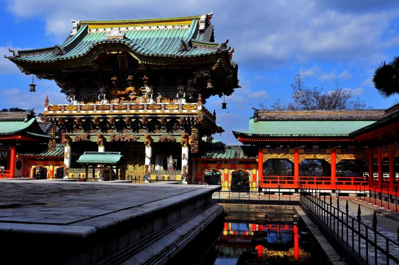 <p>&#39;Koyomon Gate&#39;, the most breathtaking architecture of all, is modeled after&nbsp;the Yomeimon Gate at Nikko Toshogu Shrine</p>