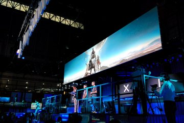 <p>Team members from Bungie in Tokyo to present Destiny on PS4</p>