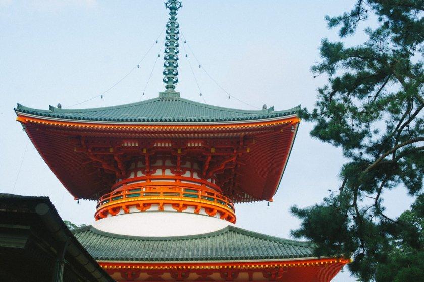 Pagoda Daito yang memiliki dua lantai.