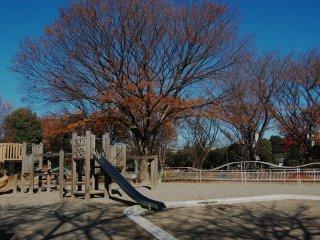 Taman bermain bagi anak-anak dan keluarga diTaman Ekinishiguchi