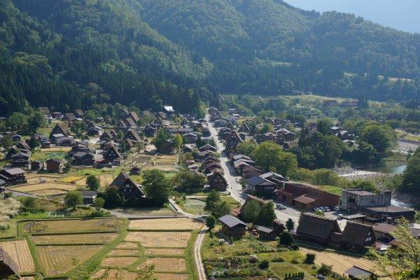 shirakawago เมืองมรดกโลกกลางหุบเขา กับทัวร์ J-Hop