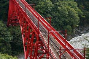 สะพานshin tamabita ตรงจุดเริ่มต้น เป็นสะพานที่ยาวที่สุด