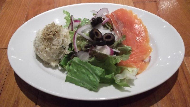 <p>My starter, potato salad with smoked salmon</p>