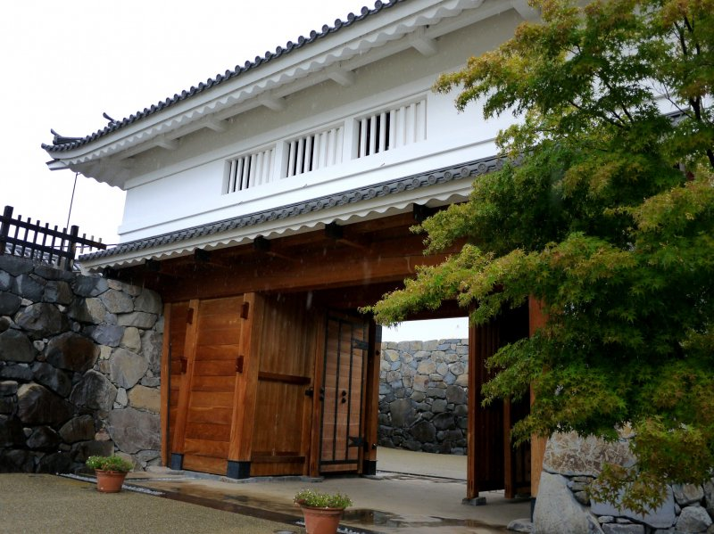 <p>Recently rebuilt Yamanote Gate</p>
